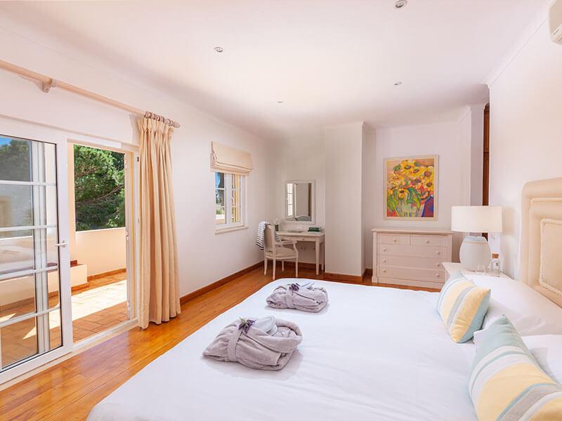 Suites_bedroom-03